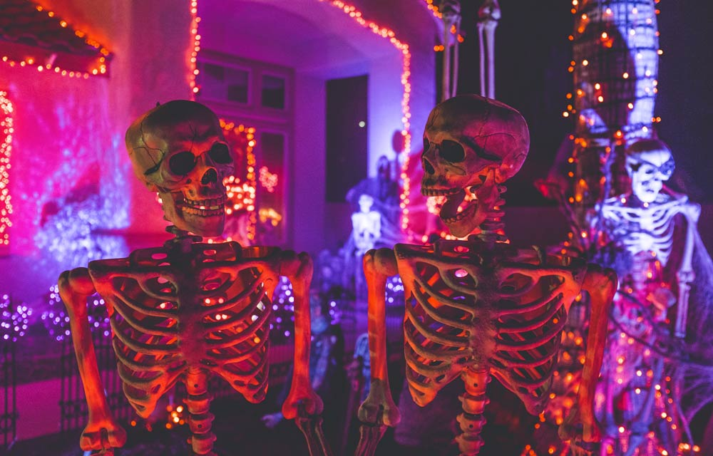 5 tips to plan the spookiest Halloween party