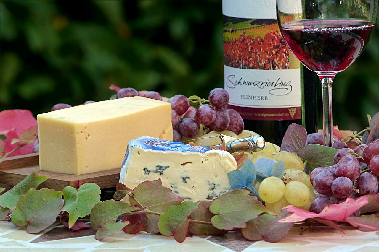queso-vino-uvas
